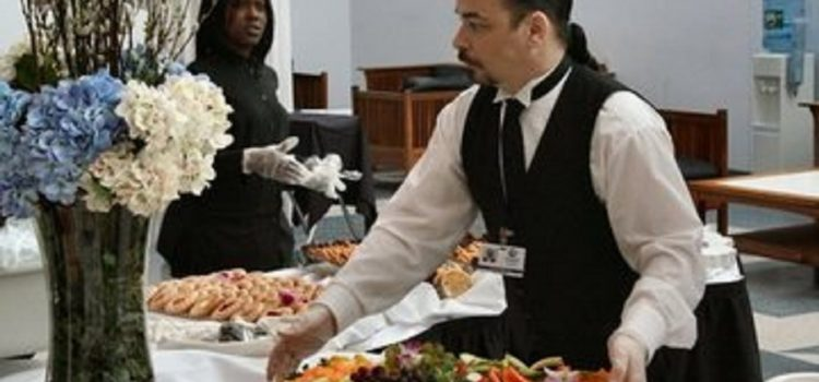 Pincér és étteremvezető állás 4*-os angol hotelekben
